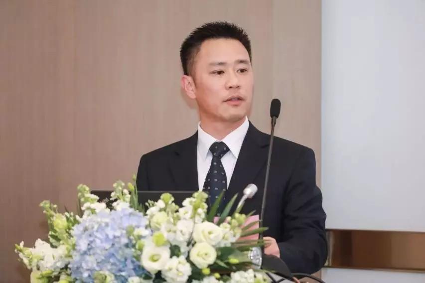 上海康德莱企业发展集团股份有限公司总经理 – 张维鑫先生